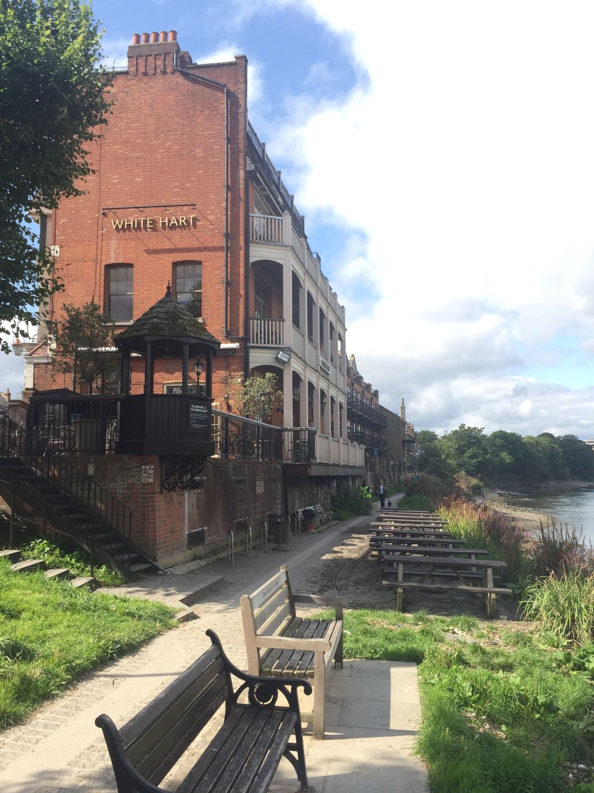 The pubs of Barnes, London