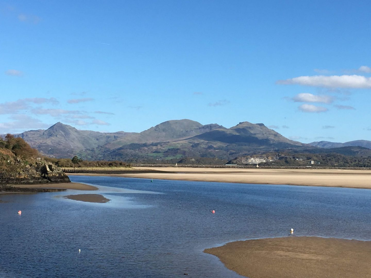 Beautiful views of the estuary and mountains near Porthmadog